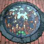 Ise - pilgrims on a manhole